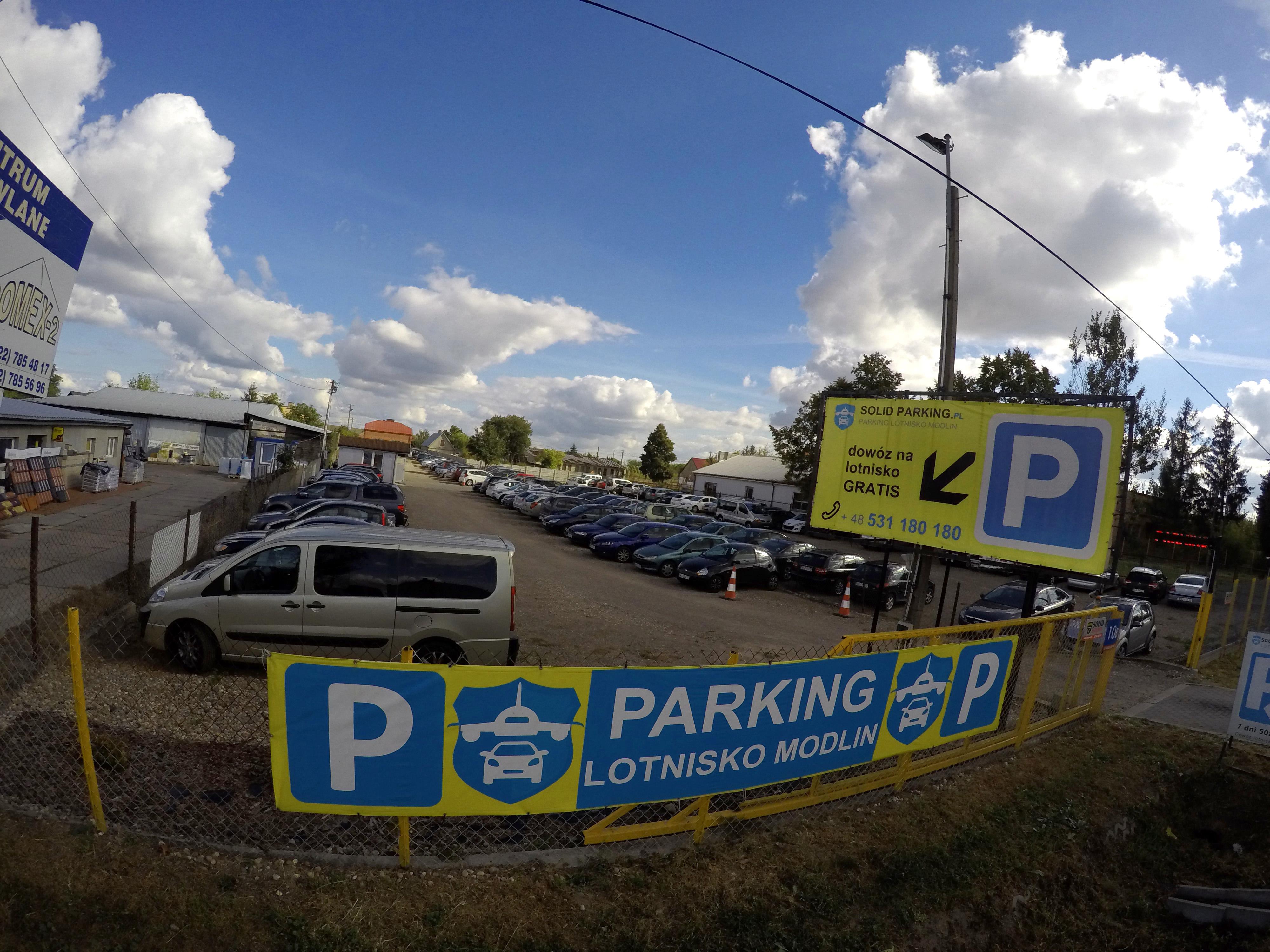 modlin parking lotnisko